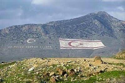 Αποτέλεσμα εικόνας για κυπρος τουρκικη σημαια